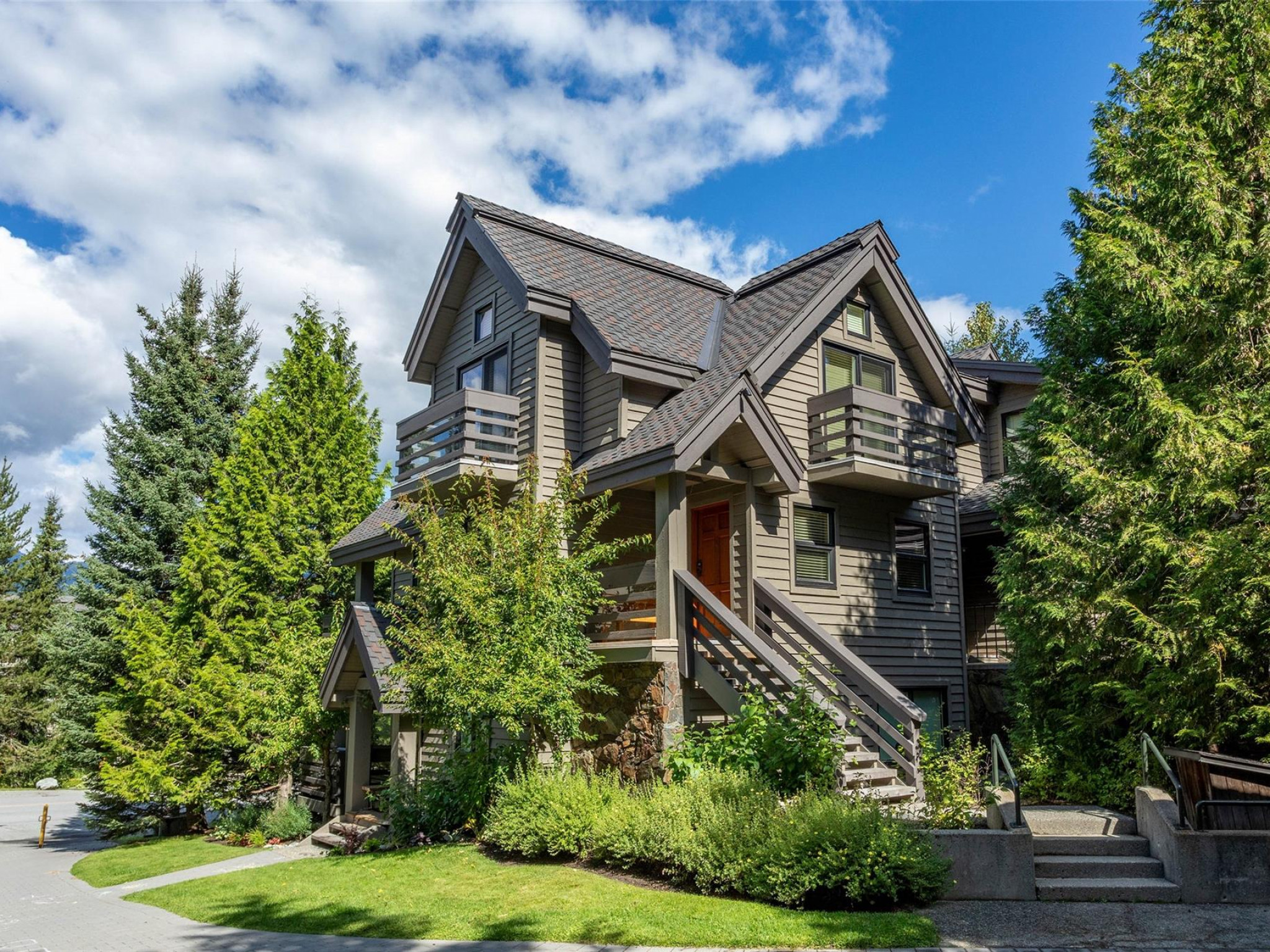 10-4645 Blackcomb Way image