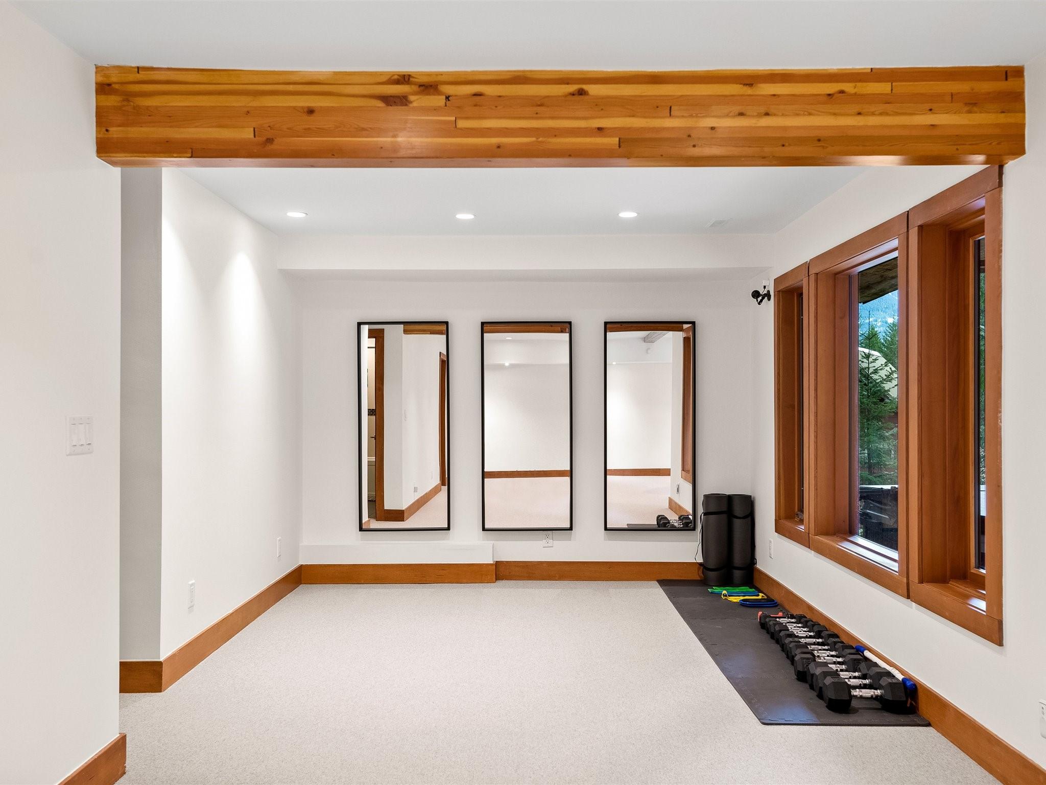 8745 Idylwood Place image 22