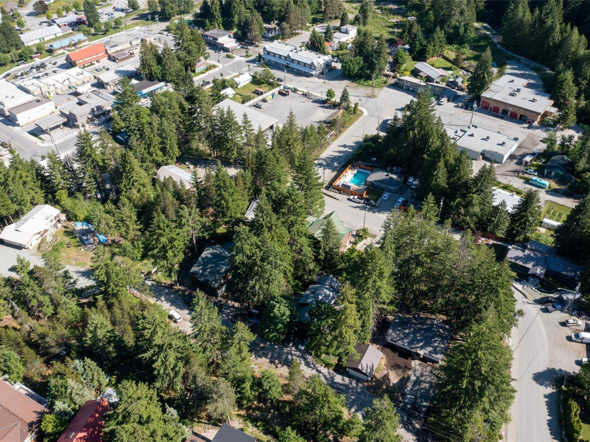 1360 Fernwood Drive image 21